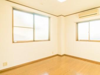 Kビル 3-B号室