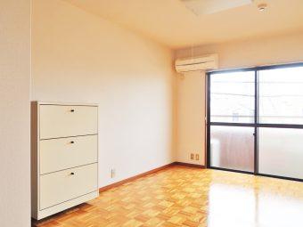 リヴァーヒルズ 302号室