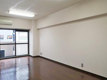 ハイネスロワイヤル 303号室